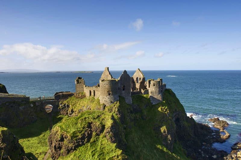 Dunluce Castle mit Meerblick