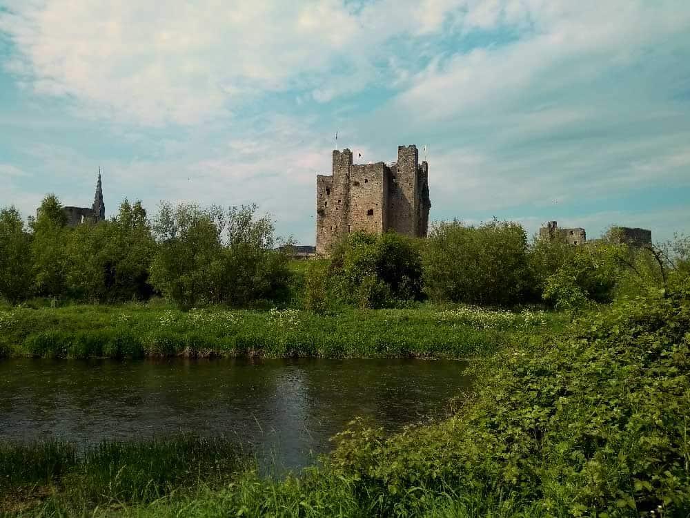 trim castle einst europas gr te festung irland inspirationen reiseinfos gruene. Black Bedroom Furniture Sets. Home Design Ideas