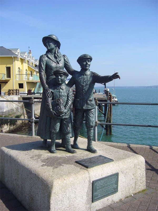 Annie Moore Statue in Cobh