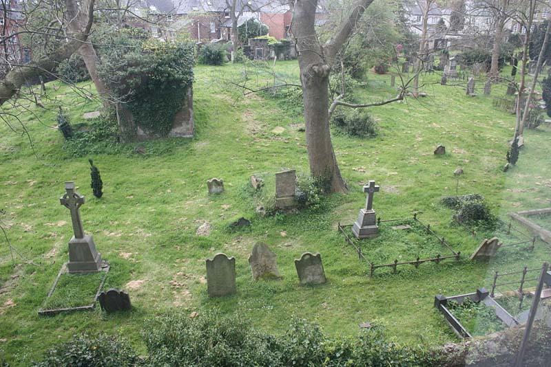 Friar's Bush Graveyard, Spukorte in Irland
