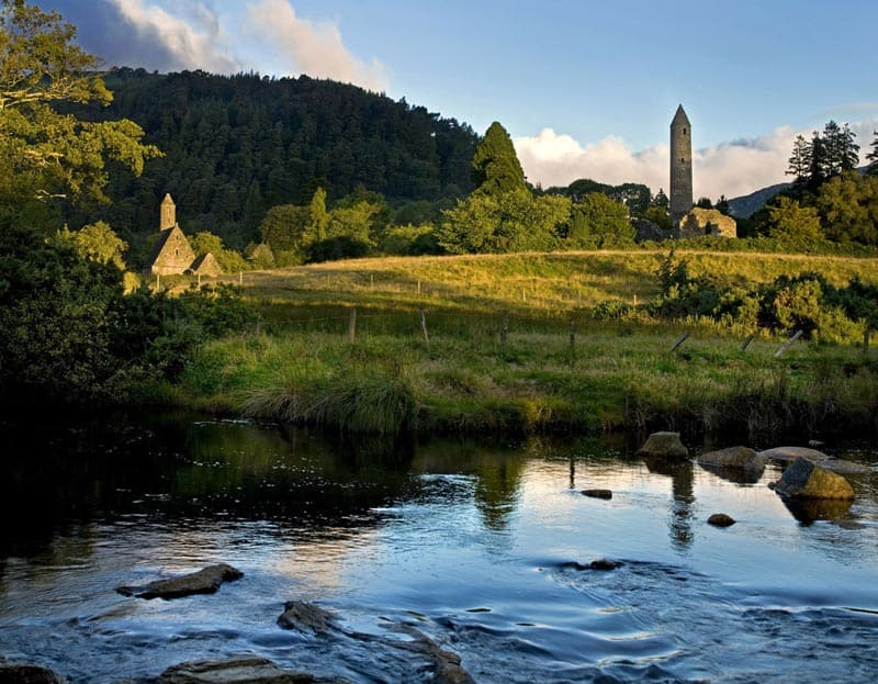 Glendalough, Klöster in Irland