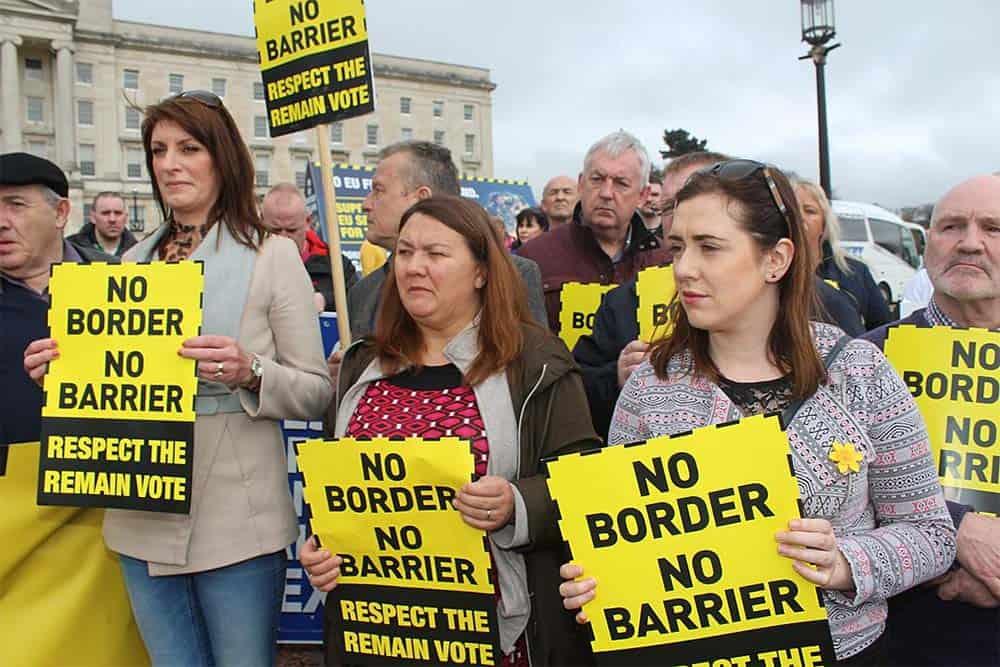 Brexit Border Plakate