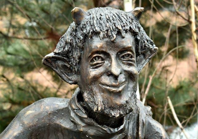Mr Tumnus Skulptur Narnia