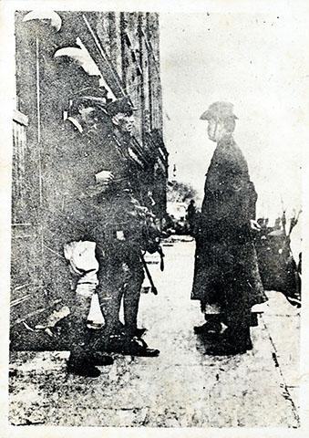 Padraig Pearse ergibt sich