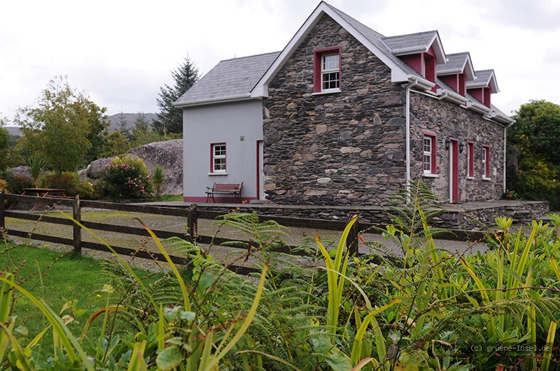 ferienhaus irland sheilas stone cottage lauragh co kerry gruene die irland experten. Black Bedroom Furniture Sets. Home Design Ideas